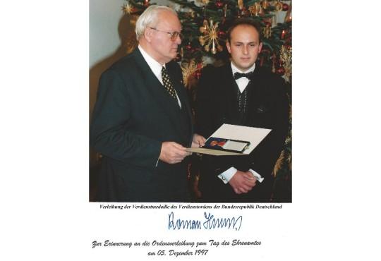 Verleihung der BRD Verdienstmedaille des Verdienstordens_1000