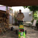 Christoph Küntzer vor Beginn der Maisause mit unbeschädigter Seifenkiste